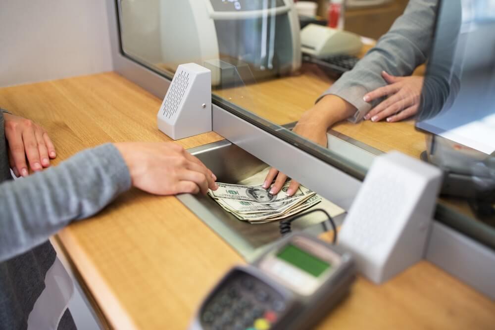 kelebihan dan kekurangan menabung di celengan